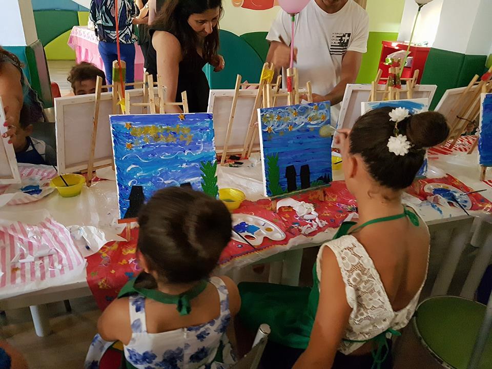 Art Party per i bambini in Piazza Municipio